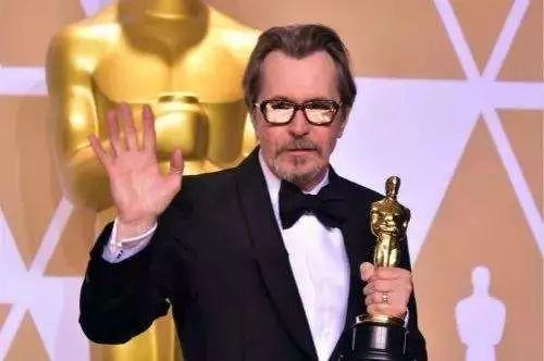 """这些好莱坞当红黄金配角,谁能先成为第二个""""狗爹""""加里·奥德曼"""